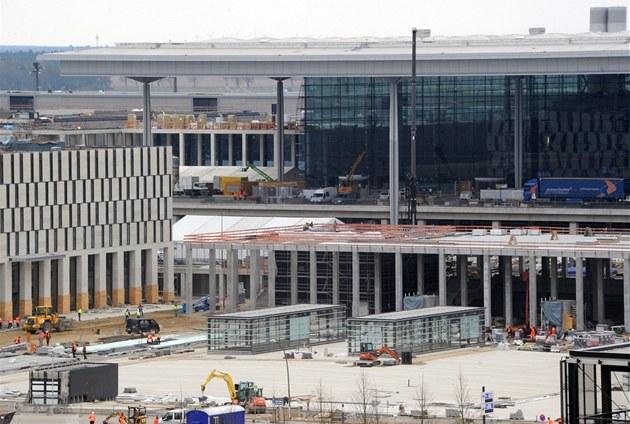 Stavba nového leti�t� Willyho Brandta v Schönfeldu