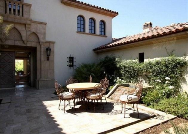 Slavný americký herec Sylvester Stallone prodává své sídlo v letovisku La...
