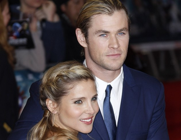 Chris Hemsworth a jeho thotn&#225; manelka Elsa Patakyov&#225; na evropsk&#233; premi&#233;e...