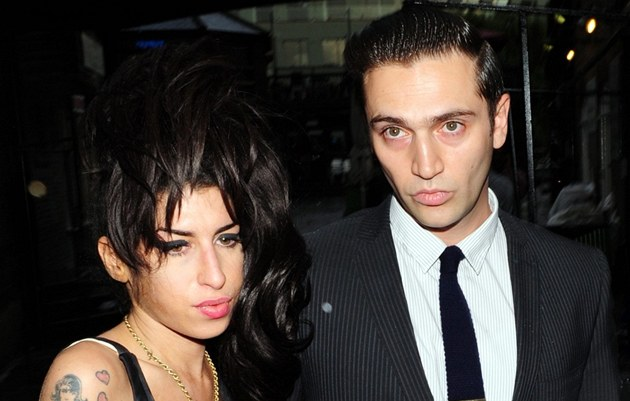 Amy Winehouse a Reg Traviss (2010)
