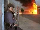 P�ed 20 lety zachvátila Los Angeles vlna rasových nepokoj�. Za�ehl je brutální...