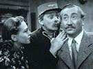 Zita Kab�tov�, Vlasta Burian a Jaroslav Marvan ve filmu P�ednosta stanice