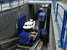 Nové možnosti, jak si užít plutí ve vodách Vltavy, nabídl majitelům lodí speciální 277 metrů dlouhý výtah na hrázi Orlické přehrady. Po úpravách během zimní sezony začal vozit lodě vážící až tři a půl tuny. Letos jich tak může díky zvětšení přepravního vozíku na lodě a dalších změnách za víc než jeden milion korun může přepravit až 1400, což je dvakrát víc než loni.