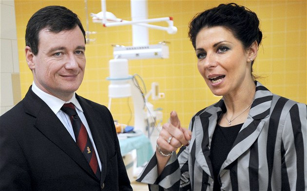 St�edo�eský hejtman David Rath a �editelka kladenské nemocnice Kate�ina Pancová