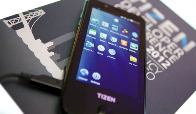 Samsung GT-i9500 s OS Tizen 1.0 Larkspur