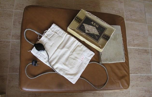 Malý kousek textilní plsti propletený odporovým drátem slou�il v rodin� celá