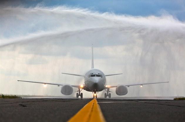 Na ruzy�ském leti�ti p�istál letoun �SA Boeing 737 - 500 v nových barvách...