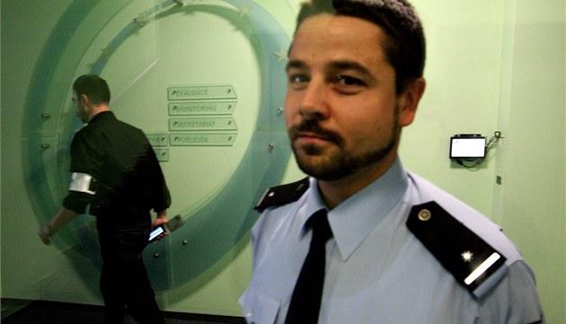 Policisté z Útvaru organizovaného zlo�inu obsadili 1. �ervna dota�ní ú�ad v