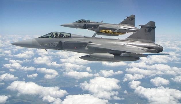 Elitní �e�tí letci s letouny Jas-39 Gripen na cvi�ení Arctic Tiger v Norsku