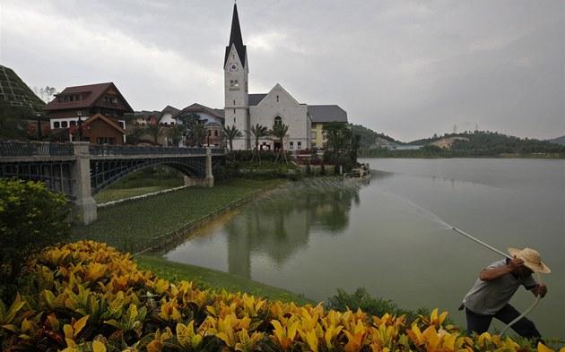 V �ín� vznikla kopie rakouského m�ste�ka Hallstatt, který je na seznamu UNESCO.