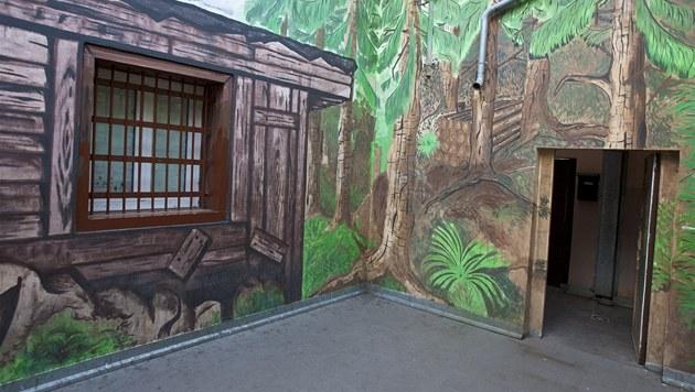 Vazební v�znice v Teplicích, vycházkový dv�r