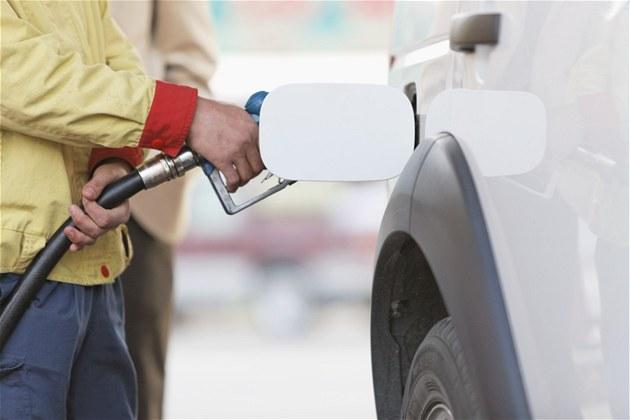 �erpání pohonných hmot