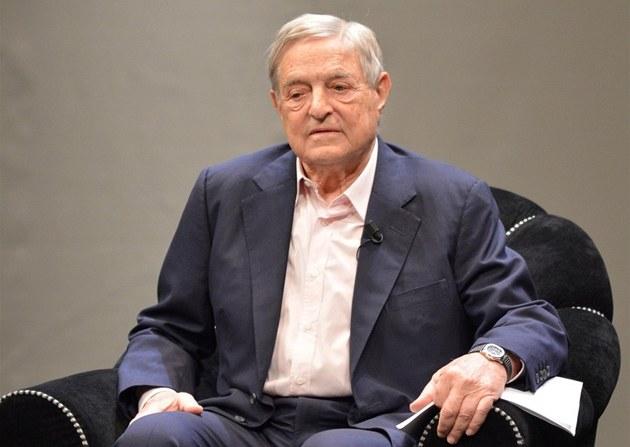 Finan�ník George Soros proslul svými finan�ními m�novými spekulacemi, ale i