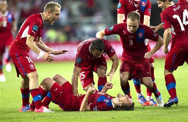 �TASTNÝ ST�ELEC. Petr Jirá�ek byl v utkání s Polskem tahounem �eského týmu a...
