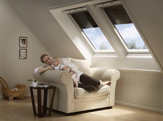 Venkovní roleta chrání p�ed p�eh�íváním interiéru sní�ením prostupu slune�ního