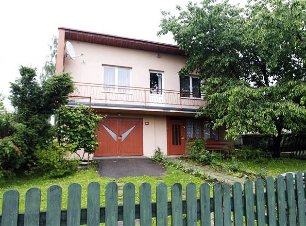 D�m v Jablonném nad Orlicí, kde �estiletý hoch nep�e�il útok 42letého mu�e.