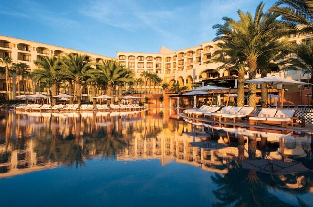 Hotel Hilton v mexickém Los Cabos; v této destinaci se koná stávající summit