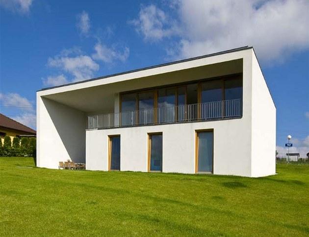 Architekt ideáln� spojil praktickou stránku bydlení a estetickou formu. Tento