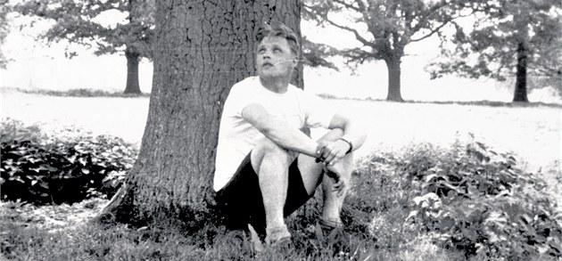 Josef Val�ík. Tato unikátní fotografie od neznámého autora pochází z�ejm� z