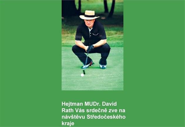 Reklamy s Davidem Rathem hrajícím golf visely na ja�e na pra�ském leti�ti v