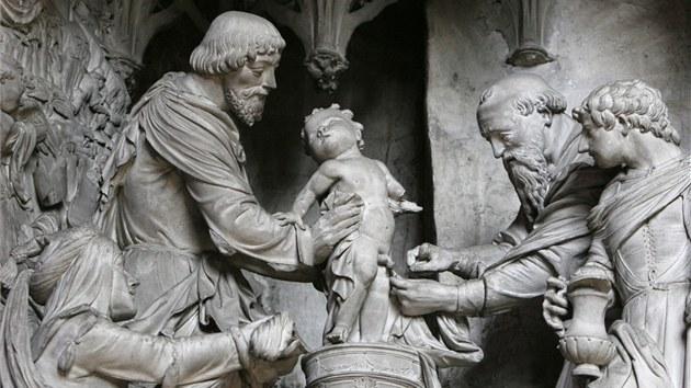 Souso�í zobrazující ob�ízku malého Je�í�e Krista v katedrále Notre-Dame
