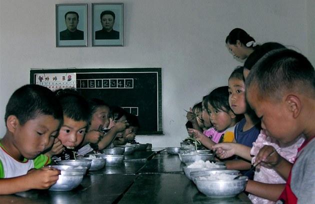 Severokorejc�m za�íná tvrdý re�im u� ve �kolce