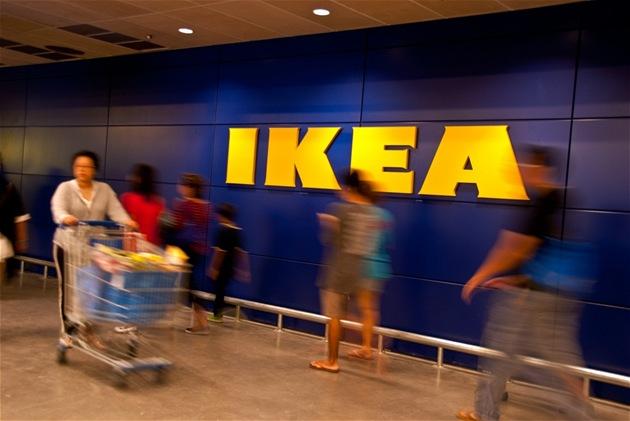 Nejeden obyvatel Thajska se p�i pohledu do katalogu Ikea zard�l nebo zasmál. Na snímku Ikea v Bangkoku.