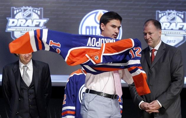 JEDNI�KA ROKU 2012. Ruský úto�ník Nail Jakupov je pro Edmonton i celou NHL