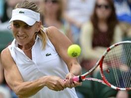 P�EKVAPEN�. Jelena Vesninov� porazila v prvn�m kole Wimbledonu Venus Williamsovou.