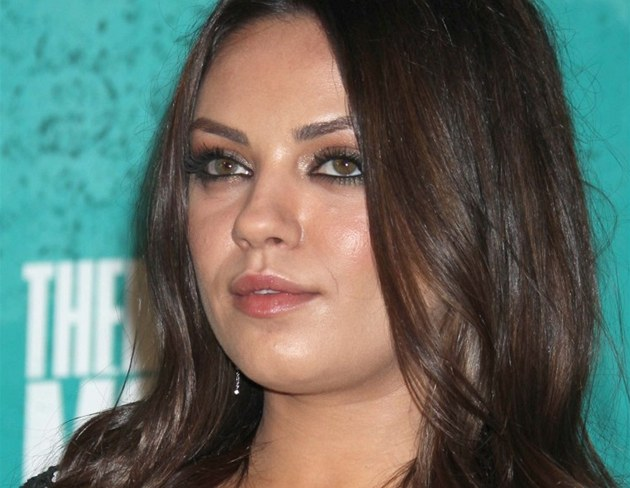 Mila Kunisov&#225; na ped&#225;v&#225;n&#237; filmov&#253;ch cen MTV (erven 2012)