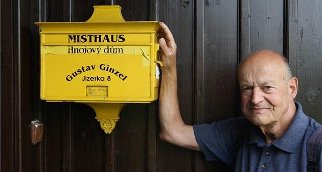 Hans Ginzel se po smrti svého známého bratra Gustava stará o Hnojový d�m na