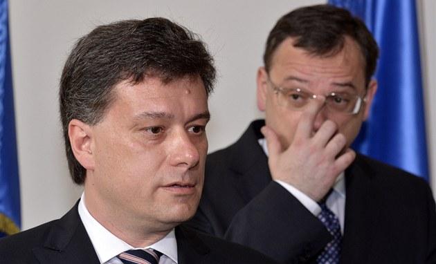 Nový ministr spravedlnosti Pavel Bla�ek p�i uvedení do ú�adu premiérem Petrem