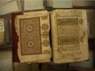 Památká�i se nyní bojí i o více ne� 700 tisíc vzácných rukopis�,  z nich�...