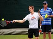 Ivan Lendl sleduje Andyho Murrayho.