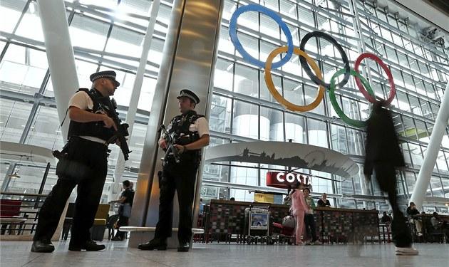 Brit�tí policisté na leti�ti Heathrow se chystají na olympijské davy