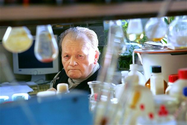 Sv�toznámý chemik Antonín Holý na snímku z b�ezna 2007