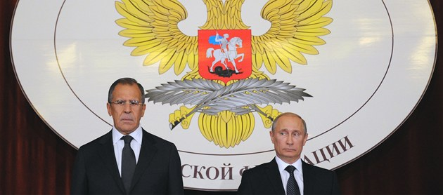 Ruský ministr zahrani�ních v�cí Sergej Lavrov (vlevo) a prezident Ruska