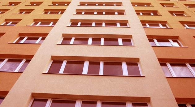 Vým�nou oken a zateplením fasád se sní�ily tepelné ztráty, ale do byt�