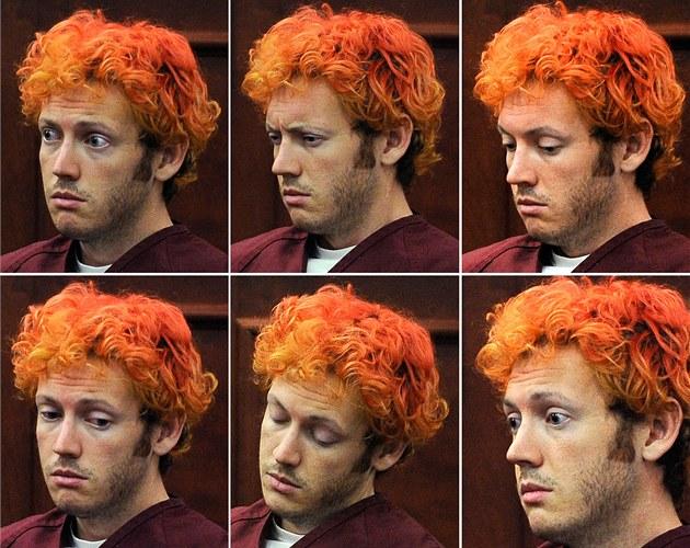 James Holmes p�ed soudem v Denveru (23. �ervence 2012)