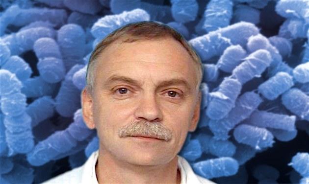Otakar Ny�, p�ednosta Ústavu léka�ské mikrobiologie FN Motol