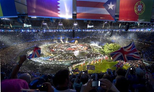 CELKOVÝ POHLED. Tak vypadal olympijský stadion v Londýn� v pr�b�hu slavnostního...