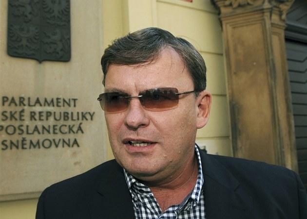 �éf protikorup�ní policie Tomá� Martinec se p�i�el do Sn�movny poradit s