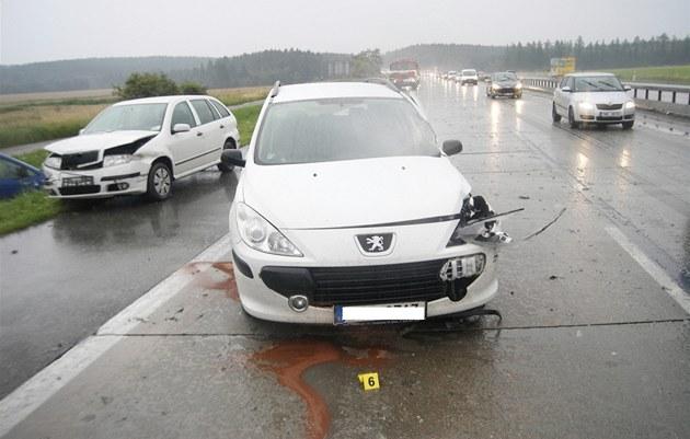Nehoda na D1 poblí� Velké Bíte�e.