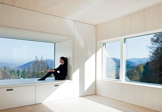 V originálním Slune�ním dom� nedaleko Vídn� tvo�í okna a prosklení 42 % jeho