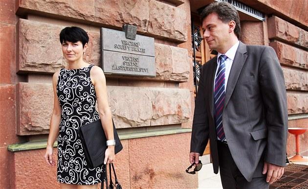 Ministr spravedlnosti Pavel Bla�ek jmenoval Lenku Bradá�ovou pra�skou vrchní