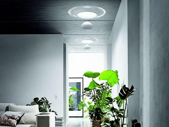 Designový světlovod od Rosse Lovegrovea