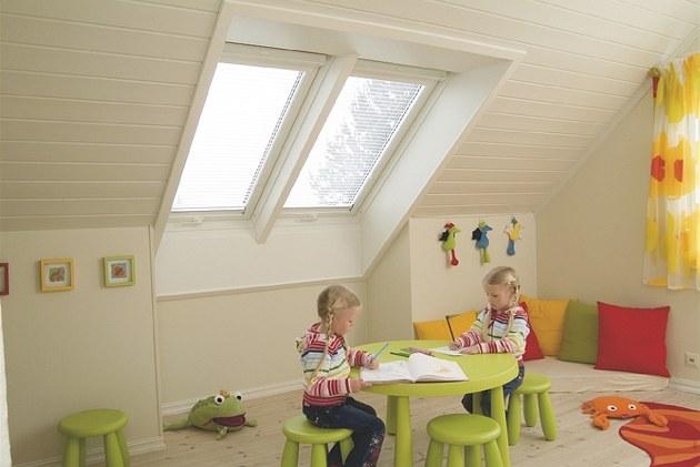 Nová st�e�ní okna prosv�tlí vá� interiér, a vytvo�í tak p�íjemné vnit�ní