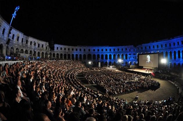 Aréna p�i filmovém festivalu v chorvatské Pule
