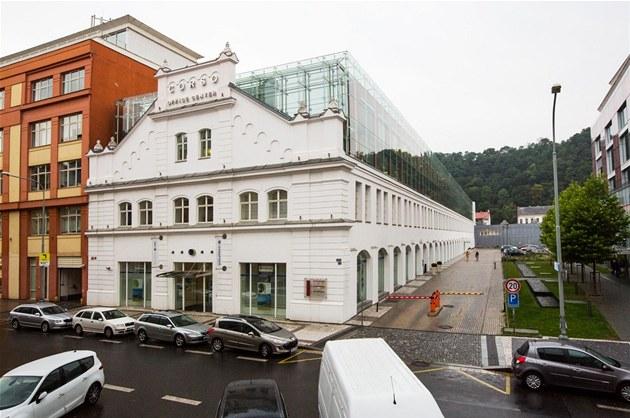 Corso Karlín, Sdru�ení atelier� Atrea a Qarta, rok realizace 2000