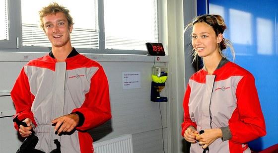 Vnuk here�ky a monack� kn�ny Grace Kelly Pierre Casiraghi byl s Beatric� Borromeo v roce 2012 v Praze. Vyzkou�eli tu vzdu�n� tunel.